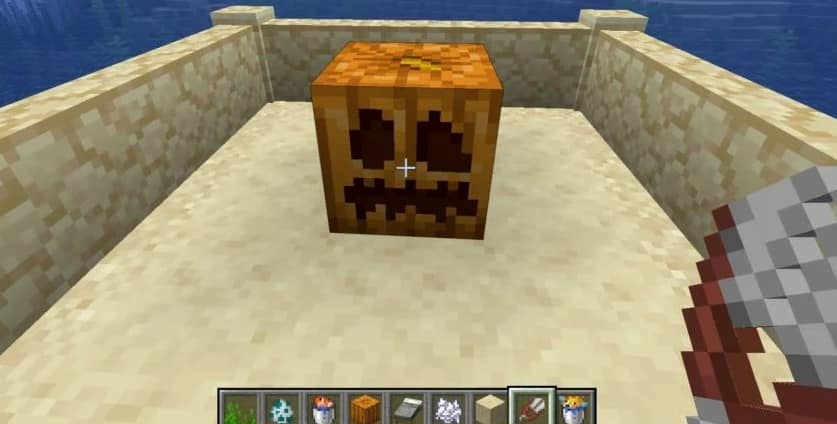 the results of using shears on a pumpkin in minecraft makes a carved pumpkin